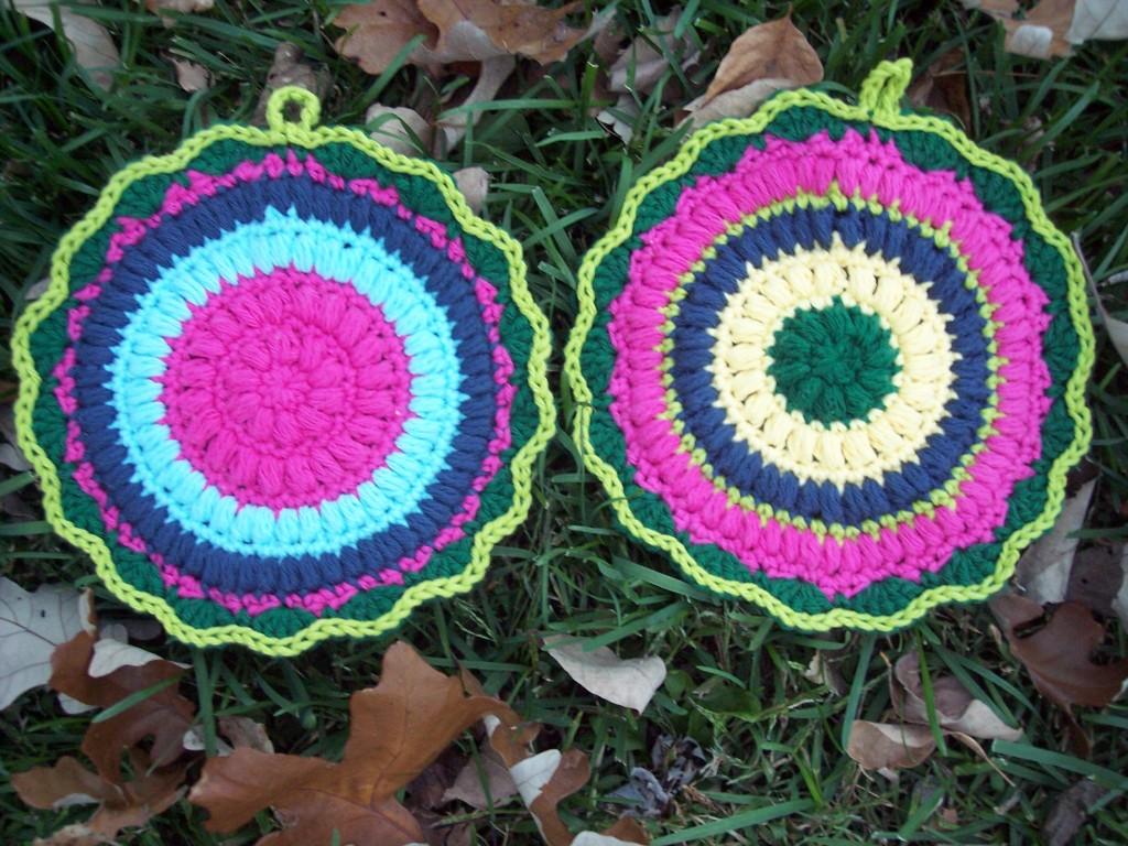 Puffy Scrap Yarn Pot Holder - Stitch11