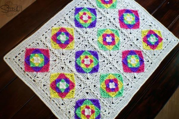 optical illusion baby blanket- free crochet pattern on Stitch11