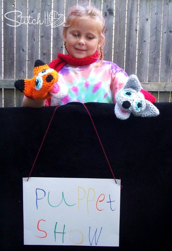 Free Crochet Pattern - Wolf and Fox Puppet Scarf for Children