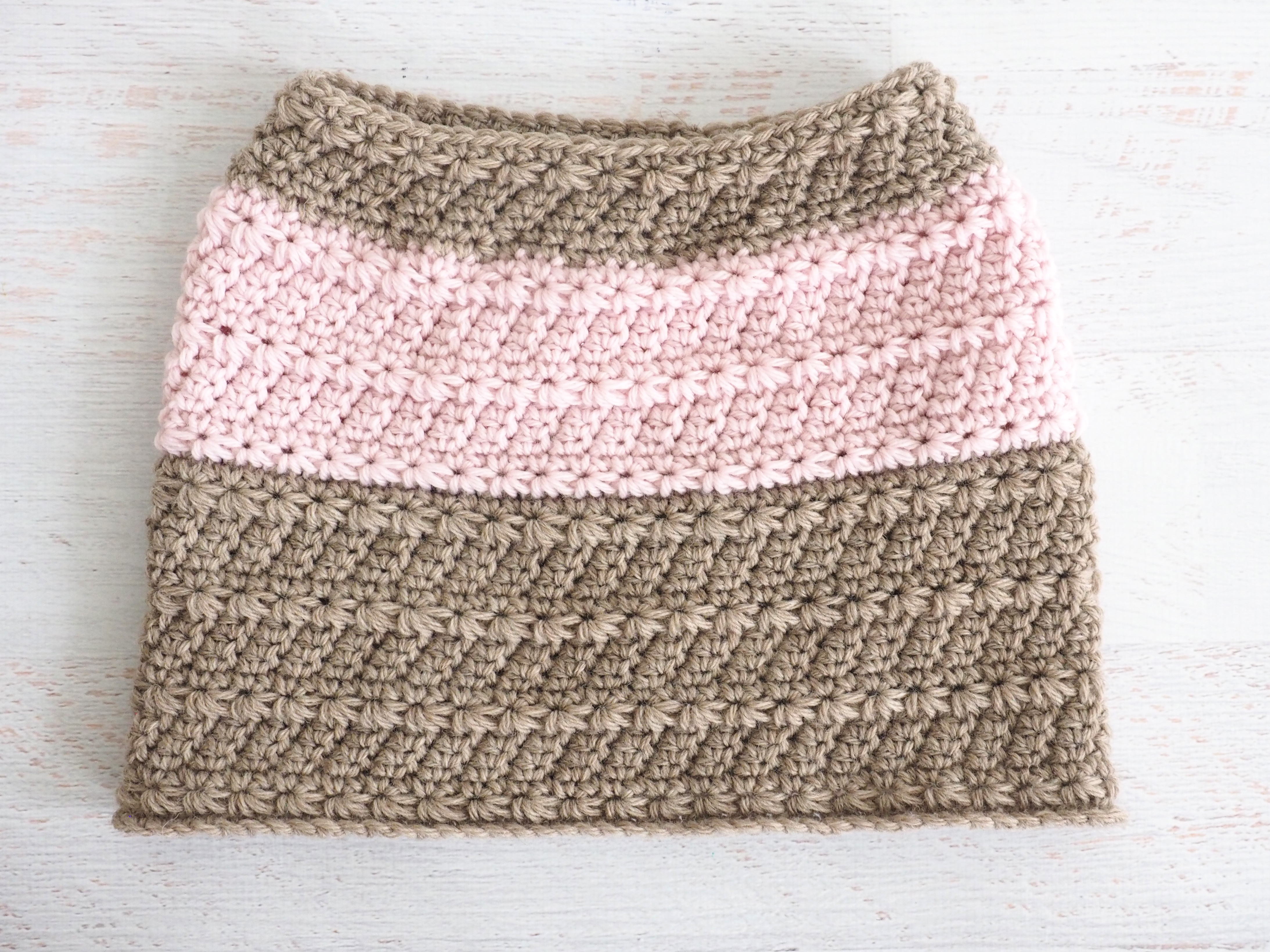 Star Stitch Neck Warmer - Free Crochet Pattern - Stitch11
