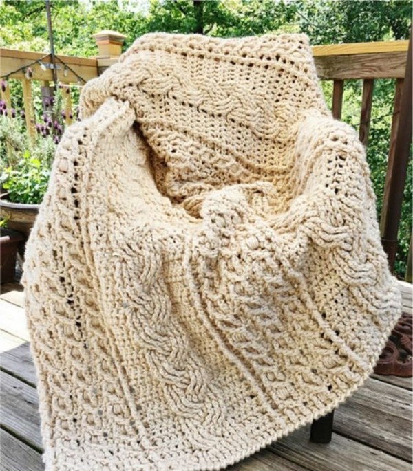 Celtic Afghan - This list has the best crochet afghan patterns out there. From chunky, thick fabrics, to delicate details, you can find whatever you're looking for. #CrochetAfghanPatterns #CrochetPatterns #AfghanPatterns #FreeCrochetPatterns