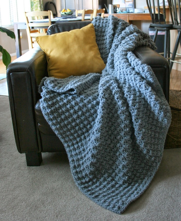 The Hubbie Nubbie - This list has the best crochet afghan patterns out there. From chunky, thick fabrics, to delicate details, you can find whatever you're looking for. #CrochetAfghanPatterns #CrochetPatterns #AfghanPatterns #FreeCrochetPatterns