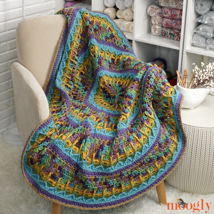 Waterlily Throw - This list has the best crochet afghan patterns out there. From chunky, thick fabrics, to delicate details, you can find whatever you're looking for. #CrochetAfghanPatterns #CrochetPatterns #AfghanPatterns #FreeCrochetPatterns