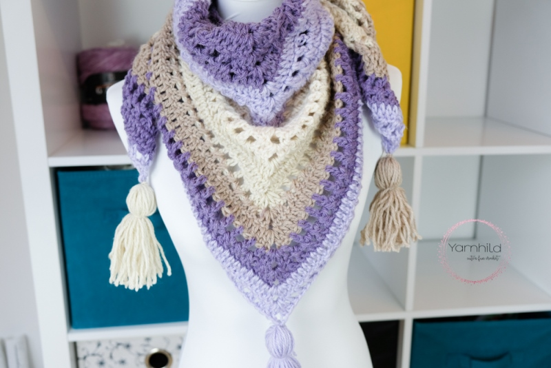 Lavender Delight Shawl - These free crochet shawl patterns are easy to make and really fun. Shawls and wraps can be worn in any season and make fabulous gifts. #CrochetShawl  #CrochetShawlPatterns #FreeCrochetPatterns