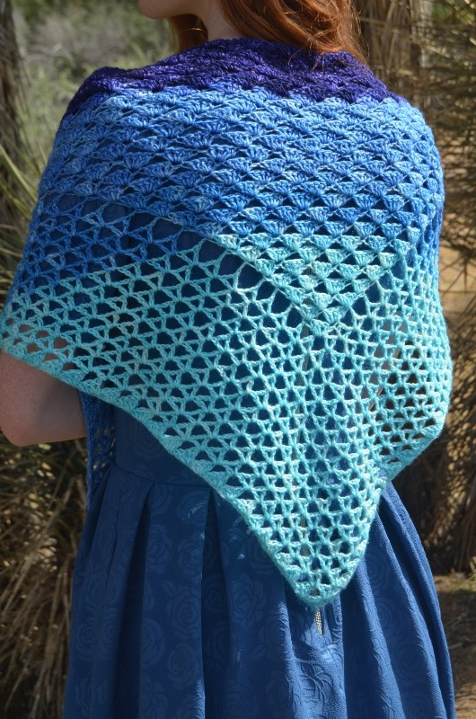 Wave Shawl - These free crochet shawl patterns are easy to make and really fun. Shawls and wraps can be worn in any season and make fabulous gifts. #CrochetShawl  #CrochetShawlPatterns #FreeCrochetPatterns