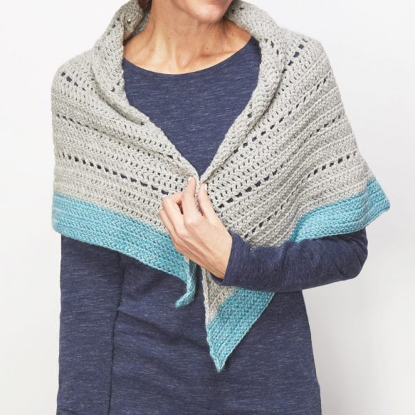 Winter Shawl - These free crochet shawl patterns are easy to make and really fun. Shawls and wraps can be worn in any season and make fabulous gifts. #CrochetShawl  #CrochetShawlPatterns #FreeCrochetPatterns