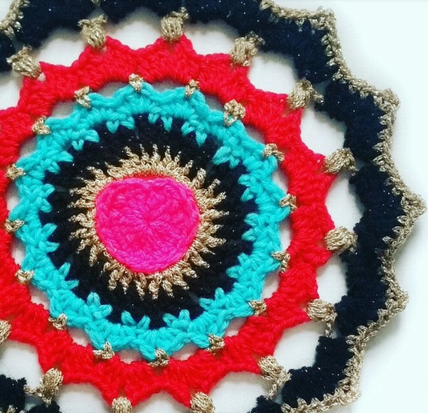 Love Buzz Sacred Heart Mandala - There's nothing quite like a crochet mandala. These all free crochet patterns are fun and useful for many different purposes. #CrochetMandala #FreeCrochetPattern #CrochetMandalaPattern