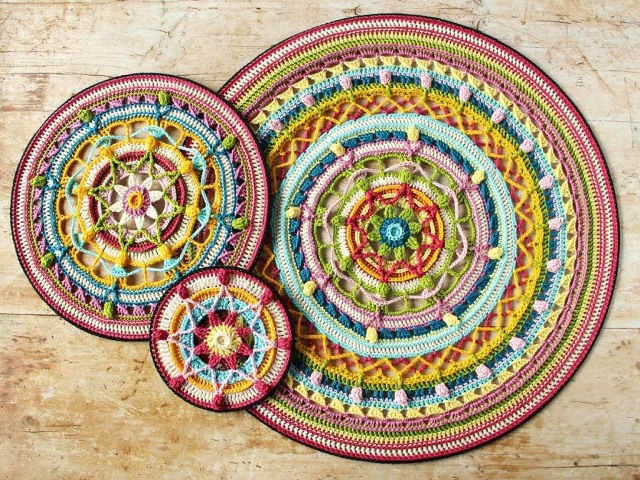 Trinity Mandalas - There's nothing quite like a crochet mandala. These all free crochet patterns are fun and useful for many different purposes. #CrochetMandala #FreeCrochetPattern #CrochetMandalaPattern