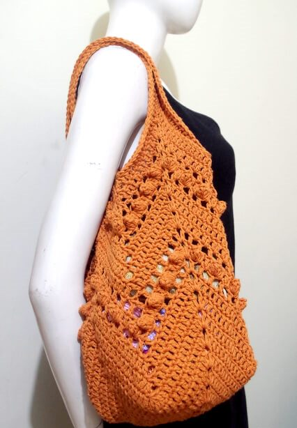 Cheveron Summer Bag - Are you ready for the best crochet bag patterns out there? This list has 18 fun summer bags and they're all free crochet patterns! #CrochetBagPatterns #EasyBagPatterns #FreeCrochetPatterns