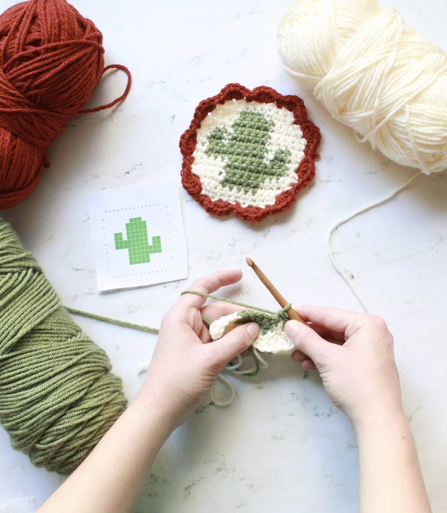 Beginner Tapestry Crochet - Tapestry crochet patterns are really unique. Try your hand at making these and see if you don't fall in love with the crochet tapestry. #TapestryCrochetPatterns #CrochetPatterns #FreeCrochetPatterns