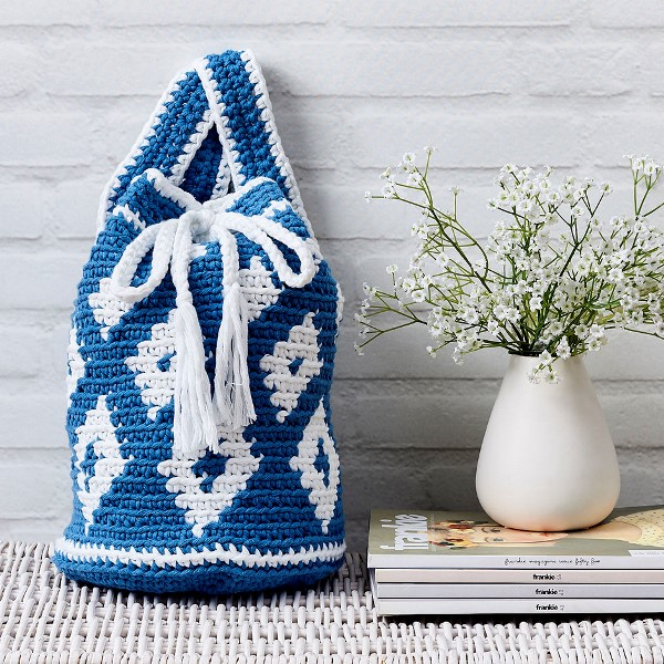 Hampton Soft Chunky Backpack - Tapestry crochet patterns are really unique. Try your hand at making these and see if you don't fall in love with the crochet tapestry. #TapestryCrochetPatterns #CrochetPatterns #FreeCrochetPatterns