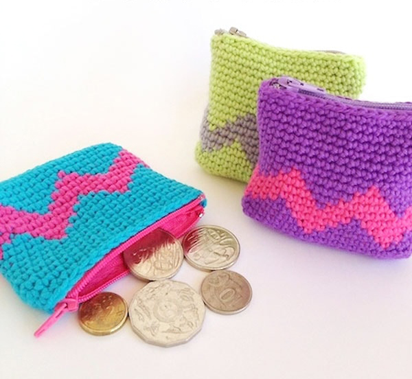 Tapestry Crochet Coin Purse - Tapestry crochet patterns are really unique. Try your hand at making these and see if you don't fall in love with the crochet tapestry. #TapestryCrochetPatterns #CrochetPatterns #FreeCrochetPatterns
