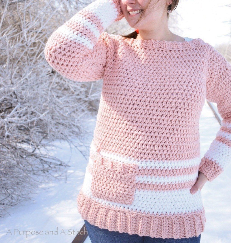 Easy Crochet Pullover - These 16 super easy crochet sweater patterns are the best we've found. There's a good variety to choose from whether you like them light, cropped or with a classic look. #easycrochetsweaterpatters #easycrochetpatterns #crochetsweaters