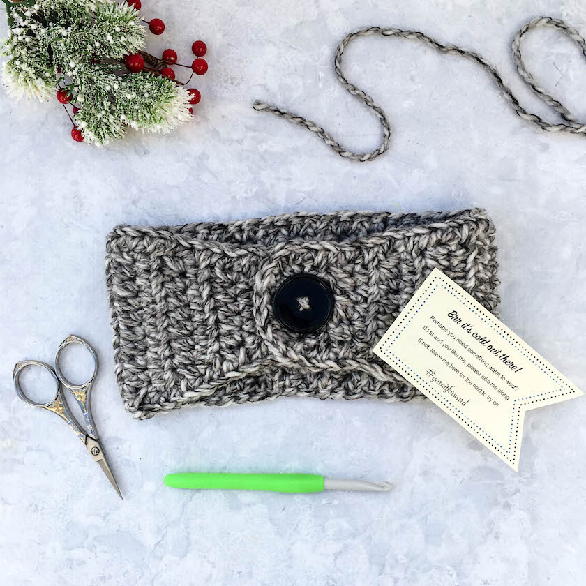 Basic Bulky Ear Warmer - Check out these cute, versatile and functional crochet ear warmer patterns and get started on your stock before the cold sets in! #crochetearwarmerpatterns #crochetearwarmers #crochetpatterns