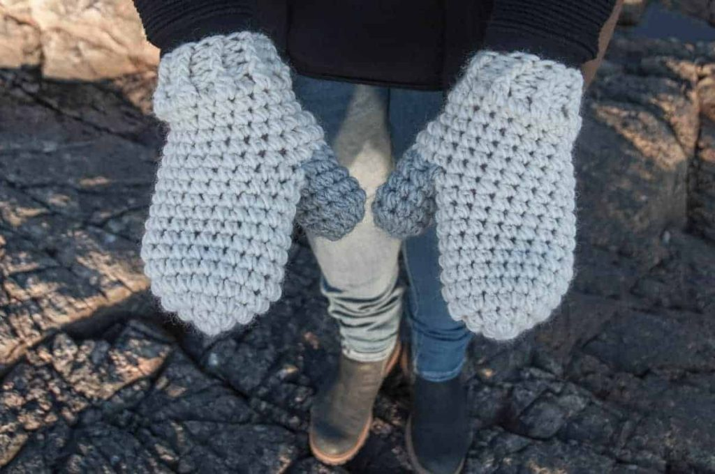 Crochet Scato Mittens - These crochet mitten patterns will warm your hands up and keep them ready for use throughout the season. #crochetmittenpatterns #crochetpatterns #freecrochetpatterns