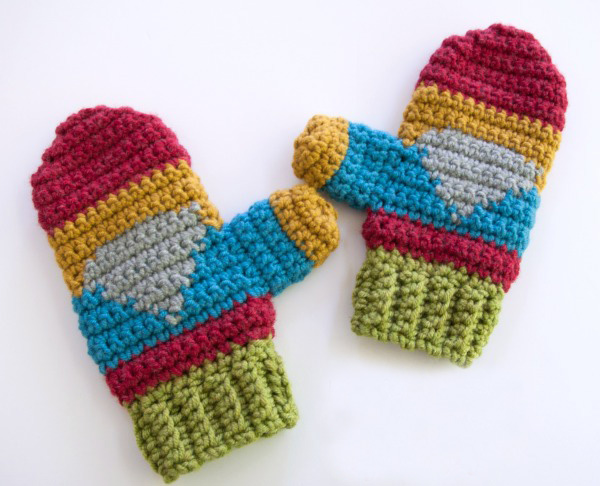 Hello Gnome Mittens - These crochet mitten patterns will warm your hands up and keep them ready for use throughout the season. #crochetmittenpatterns #crochetpatterns #freecrochetpatterns