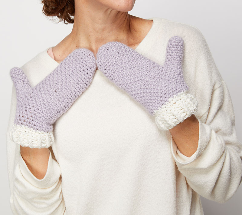 Moss Stitch Mittens - These crochet mitten patterns will warm your hands up and keep them ready for use throughout the season. #crochetmittenpatterns #crochetpatterns #freecrochetpatterns