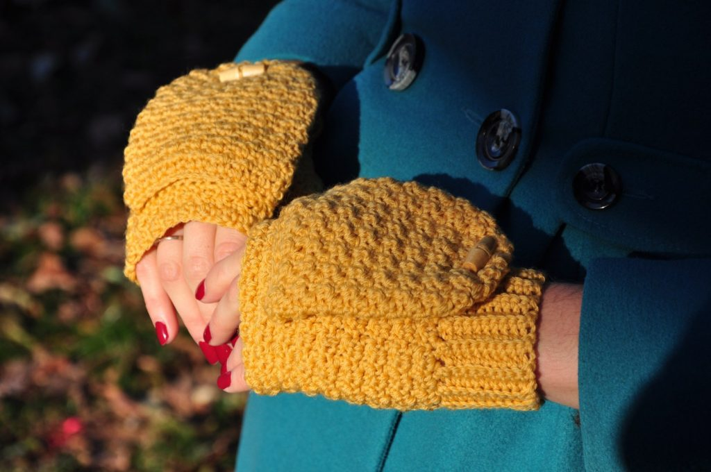 The Mustard Mitts - These crochet mitten patterns will warm your hands up and keep them ready for use throughout the season. #crochetmittenpatterns #crochetpatterns #freecrochetpatterns