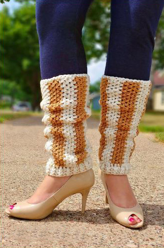Vertical Striped Leg Warmers - These 19 crochet leg warmers are just some of the comfiest ones we can find that you can do in a jiff! #crochetlegwarmers #crochetpatterns #freecrochetpatterns