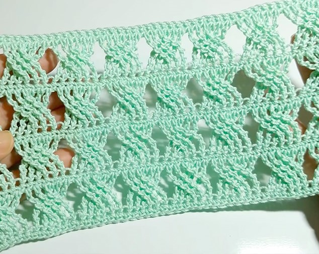 Easy Braided Crochet Stitch - These 20 unique crochet stitches may challenge you or even confound you for a moment, but tackling them and mastering them will be gratifying. #crochetstitches #uniquecrochetstitches