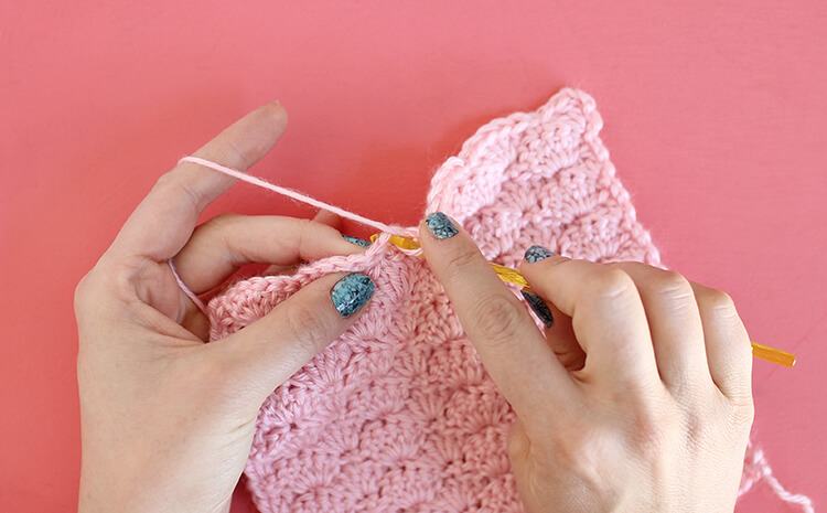 The Shell Stitch - These 20 unique crochet stitches may challenge you or even confound you for a moment, but tackling them and mastering them will be gratifying. #crochetstitches #uniquecrochetstitches