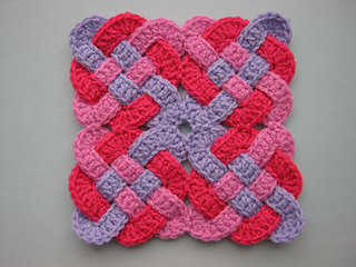 Celtic Knot Squares - If you're thinking of starting a crochet blanket and want to give it that extra touch of 'oomph' - using any of these crochet squares might be the thing you need! #crochetsquares #afghansquares #crochetpatterns