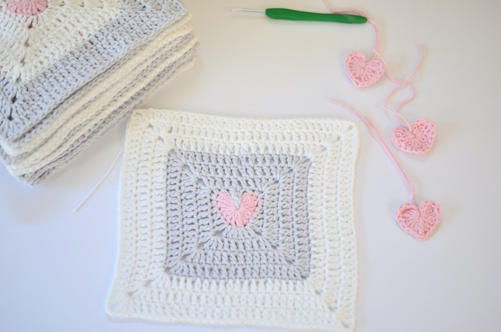 Heart Granny Square - If you're thinking of starting a crochet blanket and want to give it that extra touch of 'oomph' - using any of these crochet squares might be the thing you need! #crochetsquares #afghansquares #crochetpatterns